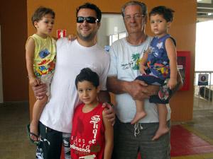 O comerciante Eloir mora em Del Castilho e foi ao Alemão para passear de teleférico (Foto: Tássia Thum/G1)