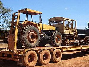 Dois tratores foram apreendidos durante fiscalização no norte de Mato Grosso (Foto: Divulgação / Assessoria Ibama)