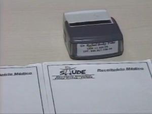 Atestado médico é vendido (Foto: Reprodução RPC TV)
