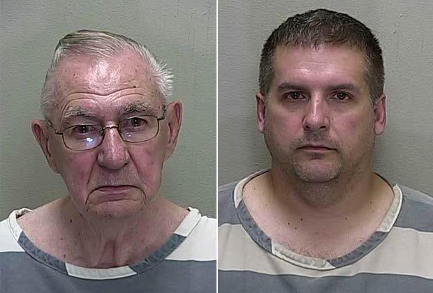 Warren Stines (esq) e David Henman foram flagrados em ato sexual dentro de banheiro. (Foto: Divulgação)
