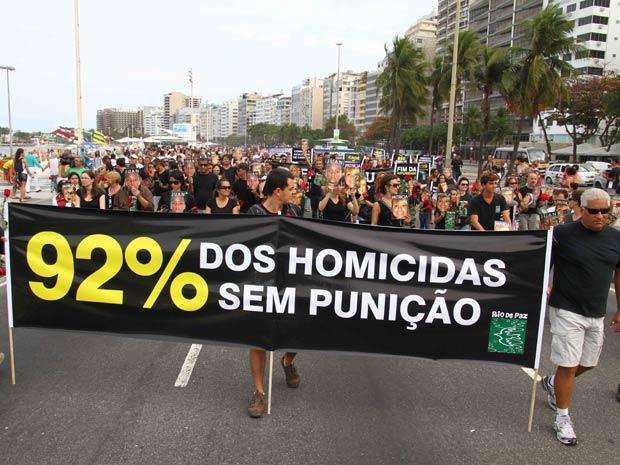 Organizadores estimam 800 participantes na Marcha contra a Impunidade (Foto: Douglas Shimeidr / Agência Estado)