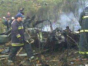 Avião da FAB cai em Bom Jardim da Serra (SC), nesta terça-feira (2). Bombeiros encontraram cinco corpos (Foto: Vilmar Ribeiro/Agência RBS)