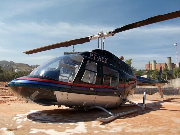 Helicóptero sofreu pane de acordo  com o piloto (Foto: Humberto Trajano/G1)
