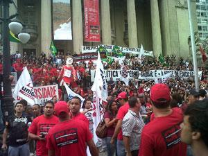 Bombeiros em protesto (Foto: Carolina Lauriano/G1)