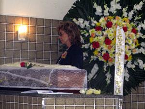 Corpo do ator Ítalo Rossi é enterrado no Rio Marilia-rossi__