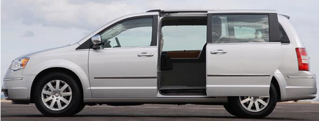 Chrysler Town and Country  (Foto: Divulgação)