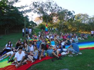 2º Piquenique Por Todas As Cores Do Amor no Parque da Pedra da Cebola, Vitória. (Foto: Grupo CORES / Divulgação)