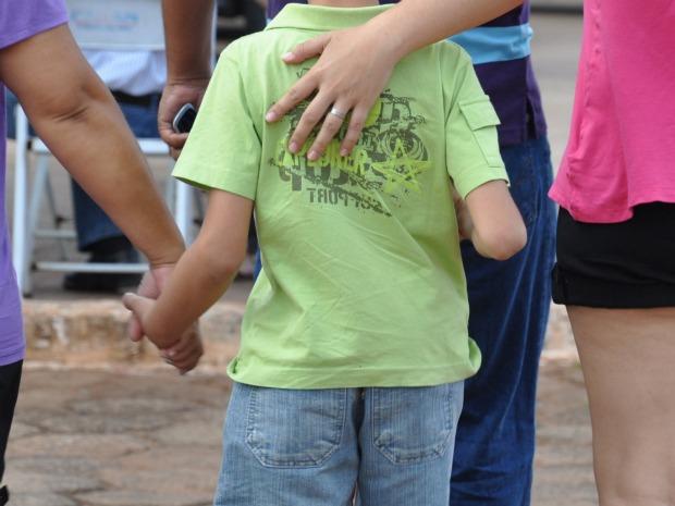 Criança passou por exame corpo de delito no Instituto Médico Legal de Campo Grande (Foto: Ricardo Campos Jr. / G1 MS)