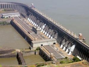 Brasil consome cerca de um terço da energia da América Latina e Caribe. (Foto: BBC)