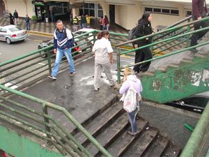 Já foram registradas 15 ocorrências na passarela neste ano (Foto: Arquivo/G1)