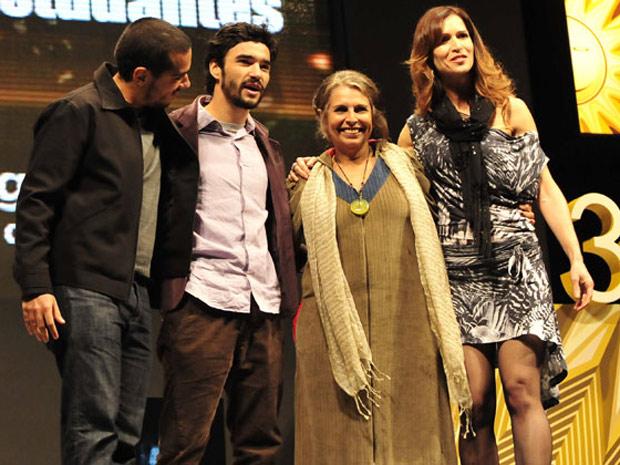Lucia Murat e Caio Blat foram premiados por 'Uma longa viagem' (Foto: Lauro Alves/ Agência RBS)