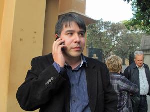 Carlos Eduardo, filho do professora aposentada (Foto: Marcelo Mora/G1)
