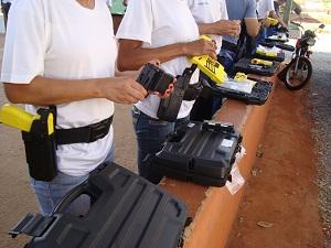 Guardas Municipais durante treinamento no centro formação do órgão  (Foto: Divulgação AGMG)
