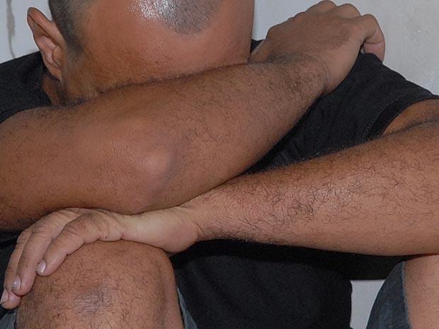 Homem foi preso na Serra após abusar sexualmente da enteada de 10 anos. (Foto: Nestor Müller/Jornal A Gazeta)