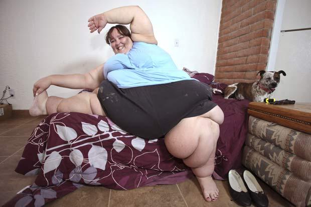 Ela tem se exercitado e medido a pressão arterial diariamente. (Foto: Laurentiu Garofeanu/Barcroft Media/Getty Images)