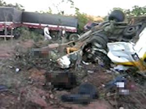Acidente mata passageiros de van na região oeste da Bahia (Foto: Joaquim Chaves de Souza/Arquivo Pessoal)