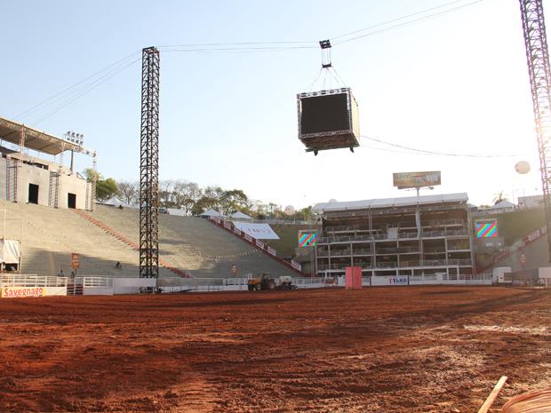A arena pronta para receber os peões e os touros (Foto: Paulo Toledo Piza/G1)