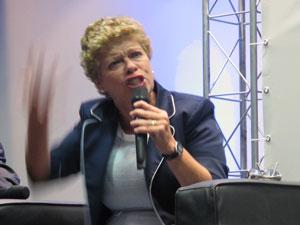 Malvina Tuttman, presidente do Inep, se emocionou durante debate sobre o Enem (Foto: Paulo Guilherme/G1)