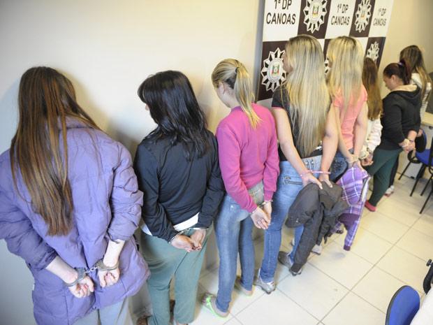 Oito mulheres, namoradas de traficantes presos, comandavam o tráfico de drogas em Canoas, segundo a Polícia Civil  (Foto: Ronaldo Bernardi/Zero Hora/Ag.RBS )