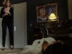 Wanda matou Norma em 'Insensato Coração' (Foto: Reprodução / TV Globo)