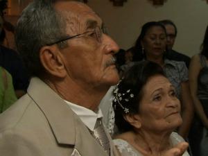 """""""Estou me casando por amor"""", diz aponsentada  (Foto: TV Verdes Mares/ Reprodução)"""