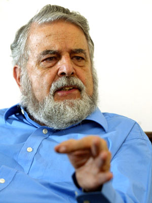 Antônio Barros de Castro, ex-presidente do BNDES (Foto: Mônica Imbuzeiro/Agência O Globo)
