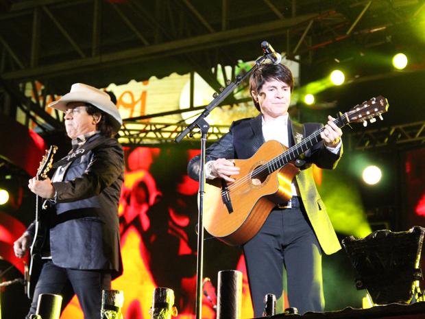 Chitaozinho e Xororó cantam na arena de Barretos (Foto: Paulo Toledo Piza/G1)