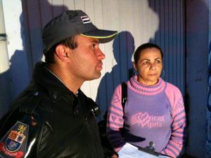 Camareira diz que celular estava carregando (Foto: Raphael Prado/G1)