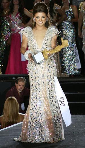 Raika Bitencourt vence o Miss Brasil Gay 2011 (Foto: Divulgação)