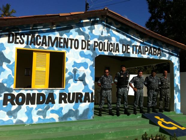 Destacamento policial de Itaipaba, comunidade com 2.600 habitantes, tem guarda da Ronda Rural (Foto: André Teixeira/G1)