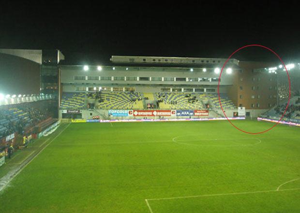 Incidente ocorreu no 'Stayen Hotel', que faz parte do estádio. (Foto: Reprodução)