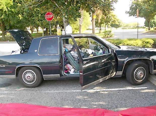 Casal vivia em um Cadillac ano 1987. (Foto: Reprodução)