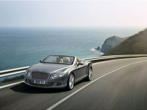 Bentley Continental GTC ganha linhas mais modernas (Foto: Divulgação)