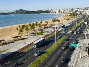 Avenida Dante Michelini fica livre dos carros aos domingos, no ES (Foto: Victor Nogueira/ Divulgação PMV)