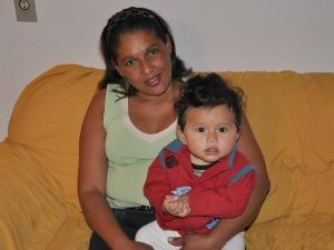 Doméstica foi demitida no retorno da licença maternidade (Foto: Ricardo Campos Jr. / G1 MS)