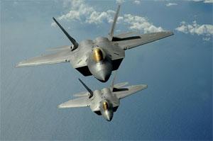 Caça F-22 produzido pela Lockheed Martin. Empresa confirmou ataque, mas não disse que não chegou a ser invadida (Foto: Kevin J. Gruenwald/Domínio Público)