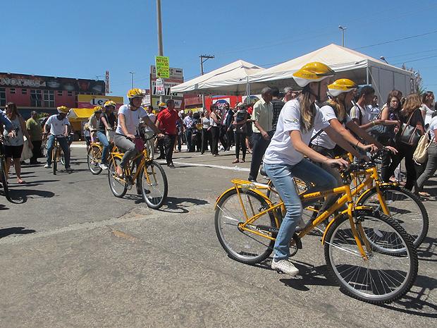 Programa Caminho da Escola é lançado pelo governador do DF, Agnelo Queiroz.  (Foto: Mariana Zoccoli/G1)