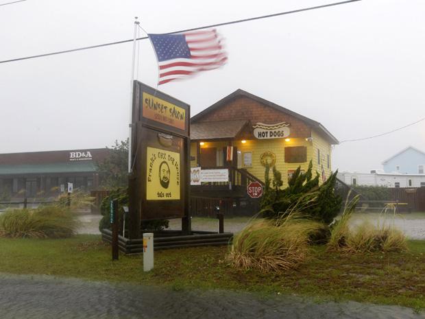 Furacão Irene atinge a Carolina do Norte (Foto: Jose Luis Magana/AP)