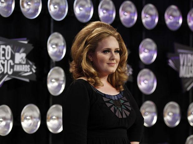 A cantora Adele chega ao VMA 2011 (Foto: AP)