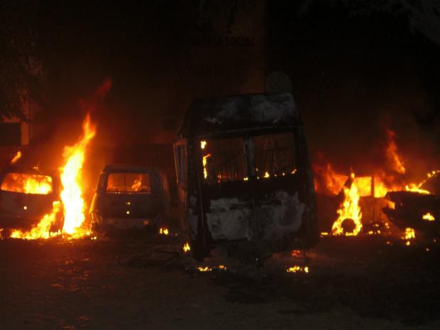 Membros da quadrilha haviam incendiado seis carros da polícia em 14 de agosto (Foto: Orlando Anchieta/Colaboração)