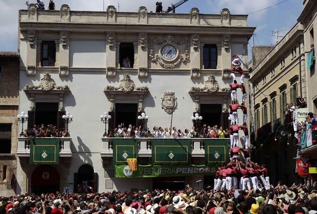 Festa de Sant Fèlix é realizada em Vilafranca del Penedès. (Foto: Albert Gea/Reuters)