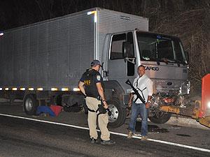 Acidente com caminhão que levava instrumentos da banda Asa de Águia (Foto: Eduardo Lena/Arquivo Pessoal)