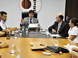 reunião investigadores (Foto: Ericksen Vital/G1)