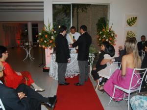 Casal realizou cerimônia religiosa para celebrar união em janeiro de 2011 (Foto: Leonardo Praxedes / Colaboração)