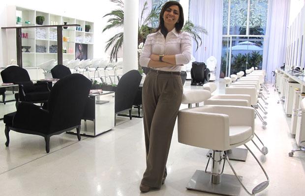 Celébrité, híbrido de salão de beleza, spa urbano e espaço cultural (Foto: Darlan Alvarenga/G1)