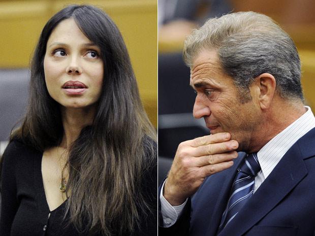 O ator Mel Gibson e sua ex-mulher, Oksana Grigorieva, durante audiência em Los Angeles (Foto: AP)