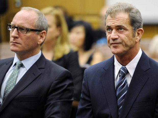 O ator Mel Gibson participa de audiência nesta quarta-feira (31), onde foi definido que ele terá que pagar US$ 750 mil à sua ex-mulher (Foto: AP)