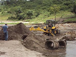 Trecho que liga sítios à zona urbana é reconstruído em Lagoa Seca, PB (Foto: Divulgação/PMLS)
