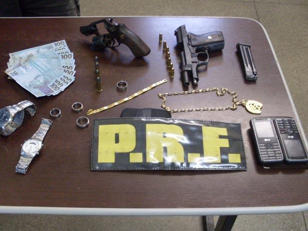 99ee1b75849 Polícia apreende cerca de R  10 mil em notas falsas em Ibotirama (BA)