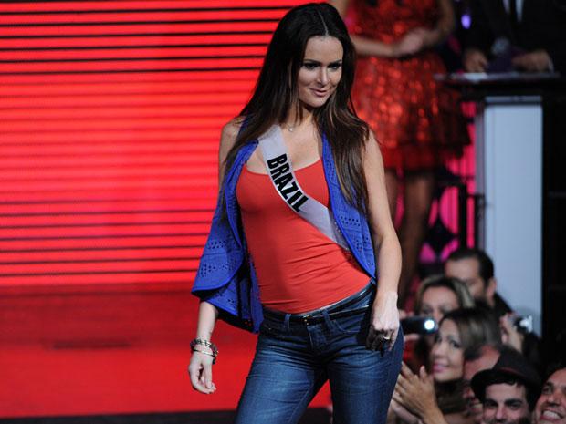 Candidatas ao Miss Universo participaram de um desfile em uma balada paulistana na noite deste sábado (3). As beldades mostraram desenvoltura na passarela, com centenas de fãs na platéia. 89 candidatas disputam na segunda-feira (12) o título de mulher mais bela do mundo. (Foto: Raul Zito / G1)